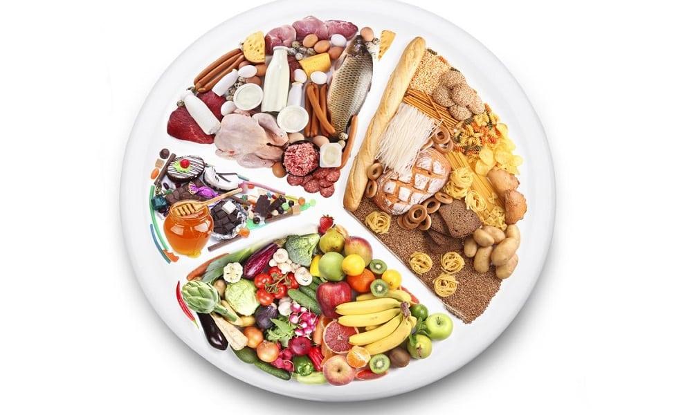 Питаться нужно регулярно и небольшими порциями