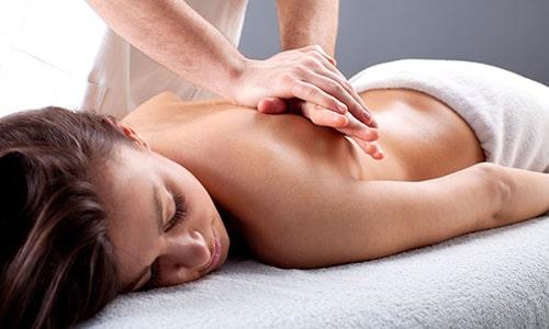 Массаж при грыже позвоночника помогает уменьшить интенсивность болевых ощущений