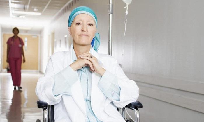 Удаление шейной грыжи не проводится, если у пациента злокачественные новообразования