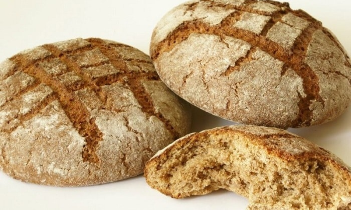 Полезно вводить в рацион цельнозерновой хлеб