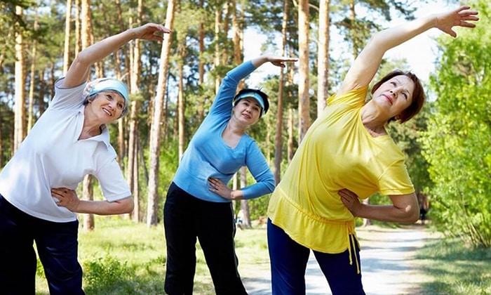 Все лечебные упражнения направлены на стимуляцию кровообращения и укрепление брюшной стенки, а также нормализацию дыхания и расслабление