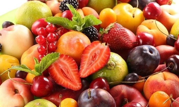 Ежедневное питание должно включать свежие фрукты