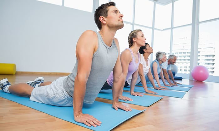 При единичной грыже грамотная программа реабилитации включает все виды физиотерапии и курс гимнастических упражнений с плавным увеличением нагрузки