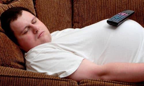 Выделяют несколько факторов, провоцирующих выпячивание диска позвоночника по направлению к позвонкам: наследственность, неправильная осанка, травмы позвоночника, избыточный вес и т.д