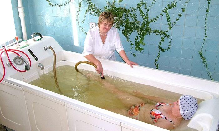 Бальнеотерапию применяют в послеоперационный период