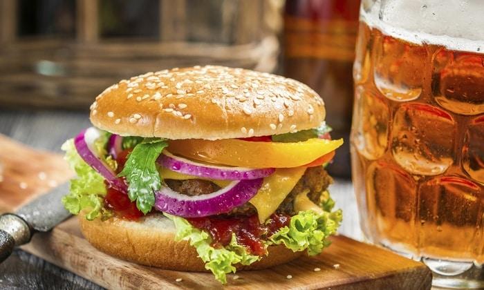 Неправильное питание в сочетании с вредными привычками приводит к повреждению позвоночных дисков