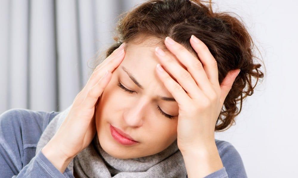 Частые головные боли бывают при протрузии между позвонками