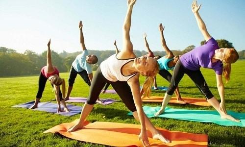Физические упражнения при пупочной грыже являются средством профилактики ее появления и консервативным методом лечения