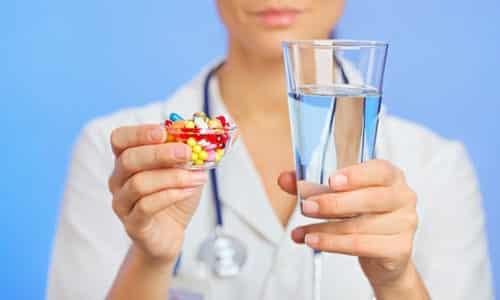 Если препарат принимается внутрь, то наибольшая концентрация в крови наблюдается через 4 часа. Курс лечения длительный - не менее 3 месяцев, но чаще продлевается до полугода