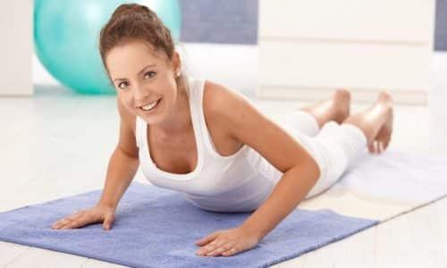 Во время занятия туловище должно находиться в горизонтальном положении, следует максимально ограничить количество упражнений, требующих вертикального положения тела