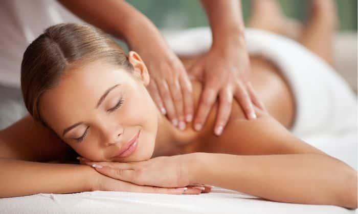 Для улучшения кровообращения и предупреждения воспаления необходимо периодически проходить курс массажа