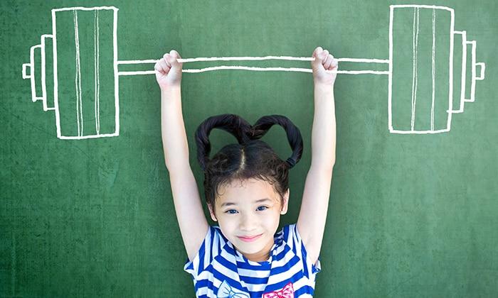 Защемлению грыжи у детей способствуют чрезмерные физические нагрузки