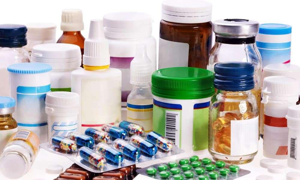 Помогают остановить развитие патологии грыжи позвоночника препараты: спазмолитики, миорелаксанты, НПВС или глюкокортикоиды, анальгетики, хондропротекторы, противоотечные средства
