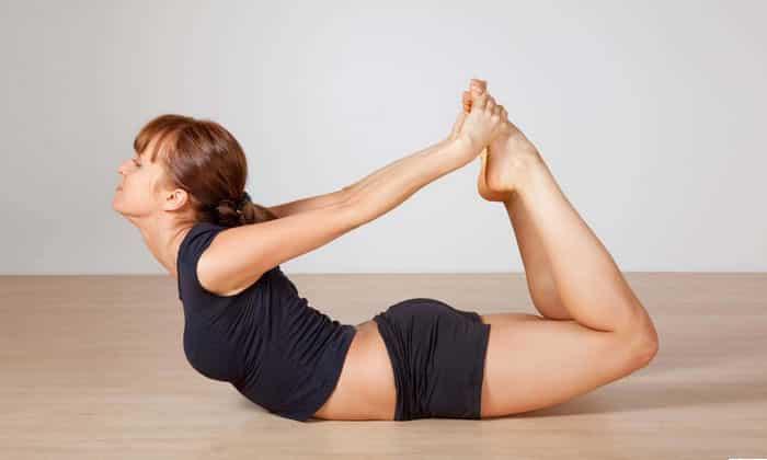 Чтобы избежать возникновения заболевания, нужно выполнять упражнения, способствующие укреплению мускулатуры живота и диафрагмы