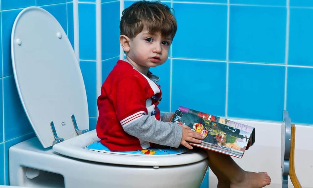 Запор - симптом грыжи яичка у ребенка